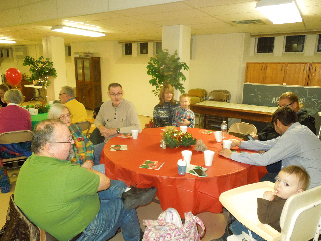 Cookieez and Christmas Dinnerprogram 019.JPG
