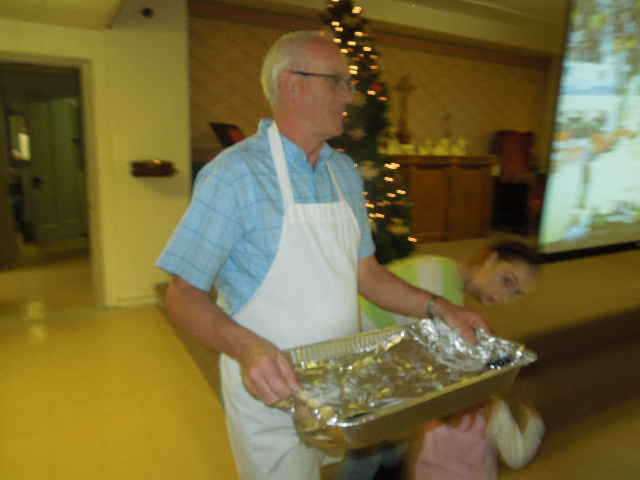 Cookieez and Christmas Dinnerprogram 025.JPG