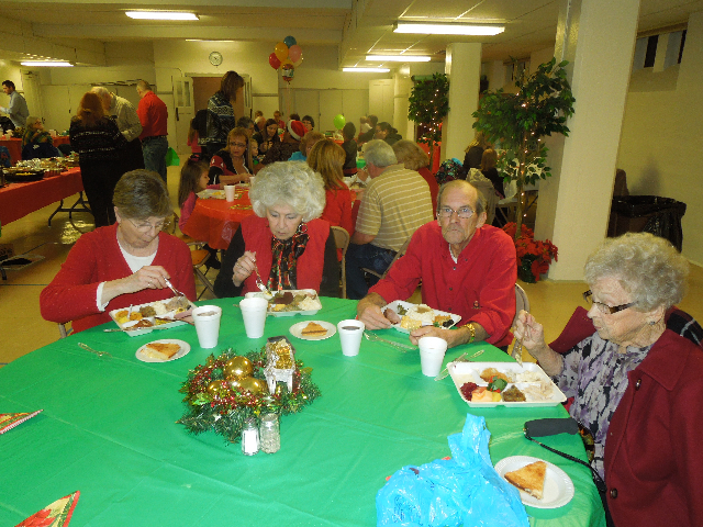 Cookieez and Christmas Dinnerprogram 028.JPG
