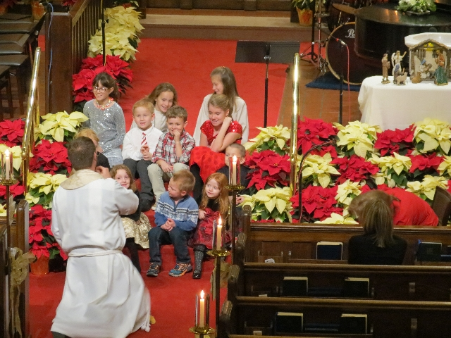 2015-12-24 Childrens sermon 2.JPG