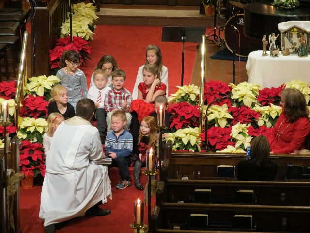 2015-12-24 Childrens sermon 3.JPG