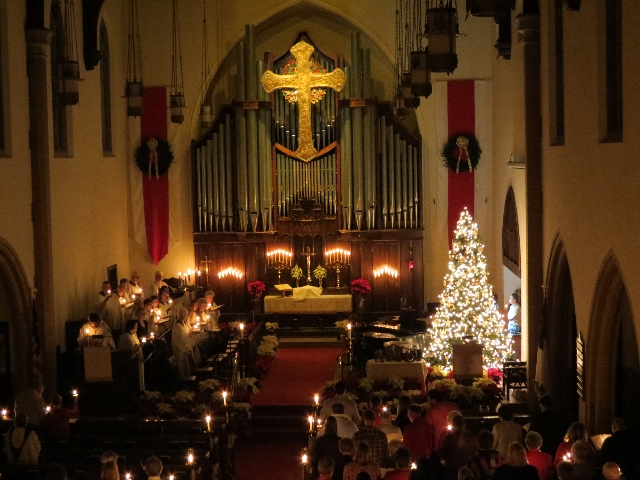 2015-12-24 Silent Night Candlelight 3.JPG