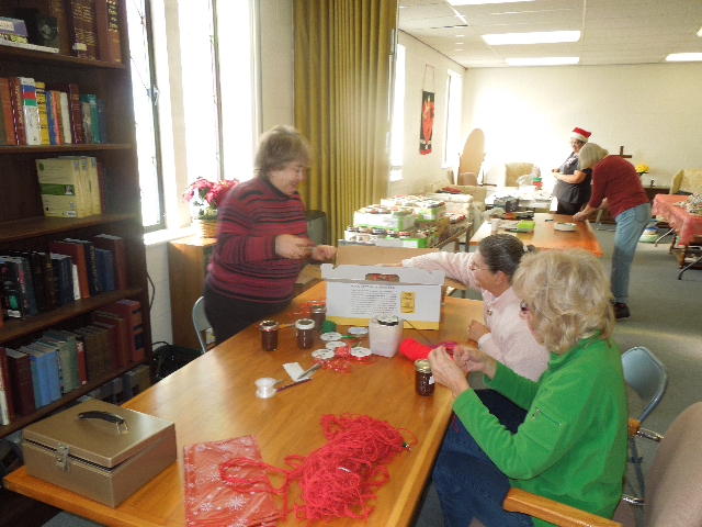 Cookieez and Christmas Dinnerprogram 004.JPG