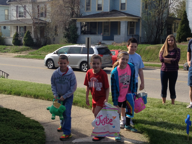 Easter Egg Hunt 2014 008.JPG
