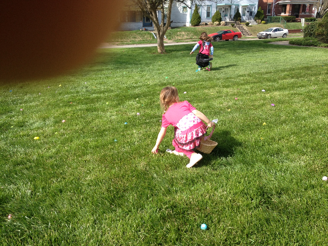 Easter Egg Hunt 2014 017.JPG