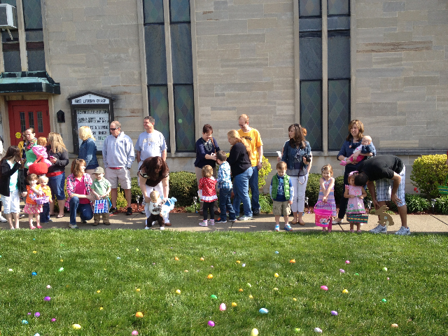 Easter Egg Hunt 2014 021.JPG