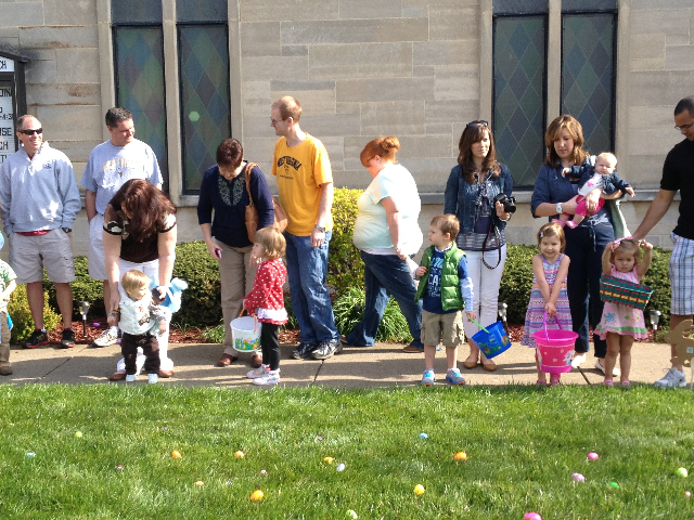 Easter Egg Hunt 2014 022.JPG