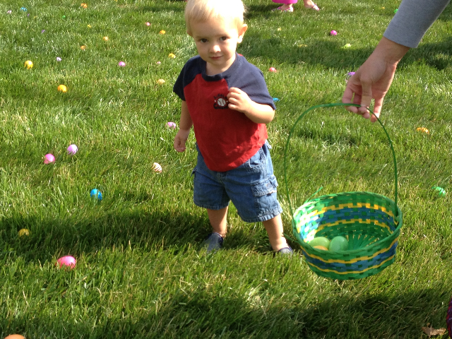 Easter Egg Hunt 2014 031.JPG