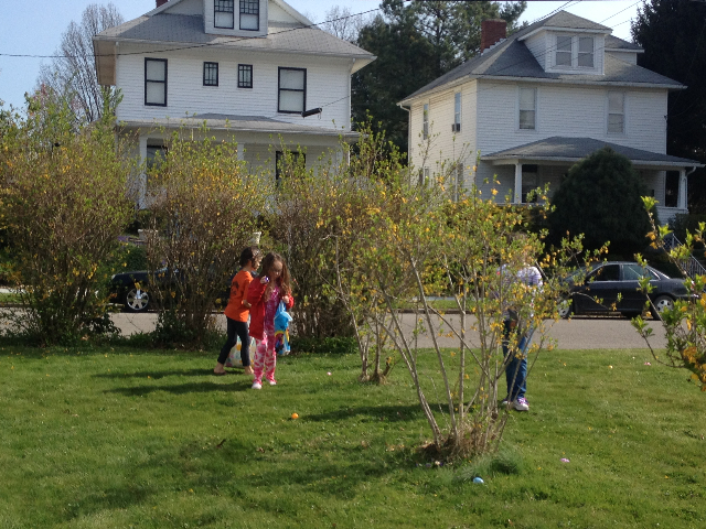 Easter Egg Hunt 2014 049.JPG