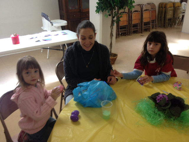 Easter Egg Hunt 2014 060.JPG