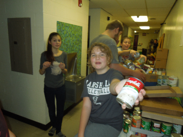 Food Baskets Eli Day Care Santa 033.JPG
