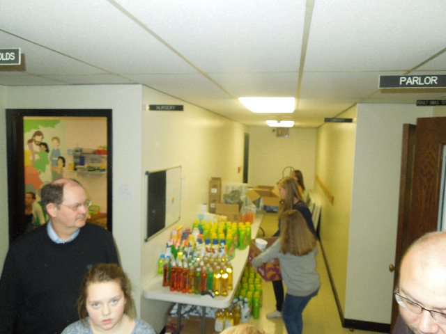 Food Baskets Eli Day Care Santa 036.JPG